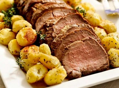 rosbife-com-batatas-e-cebolas